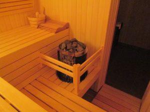 Компактная семейная сауна в частном доме (Осокорки, Киев)