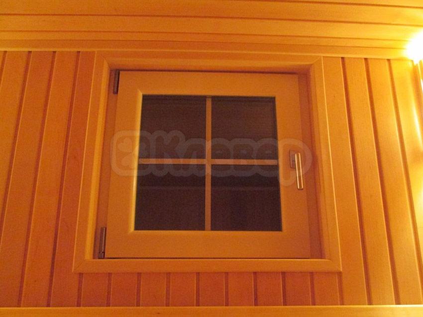 окно в сауне